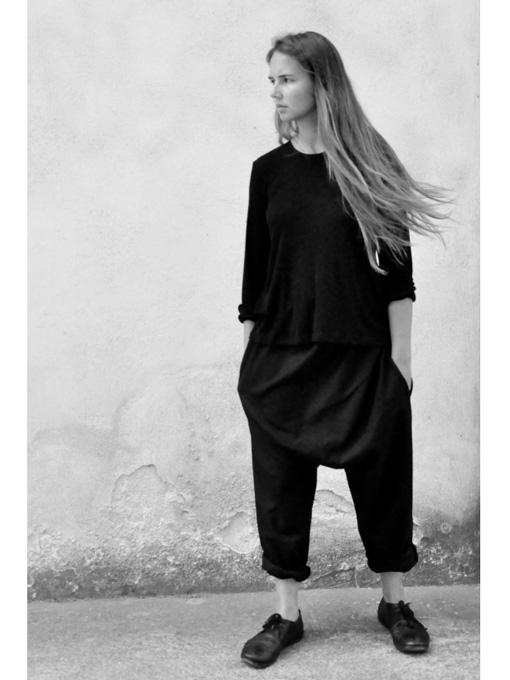 le vestiaire de jeanne uniform saroual trousers black wool. Black Bedroom Furniture Sets. Home Design Ideas