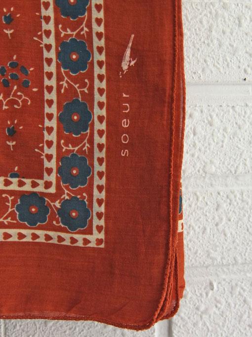 パリジェンヌに人気のフレンチカジュアルブランド soeur  スール ショッピングバッグ プリントスカーフ