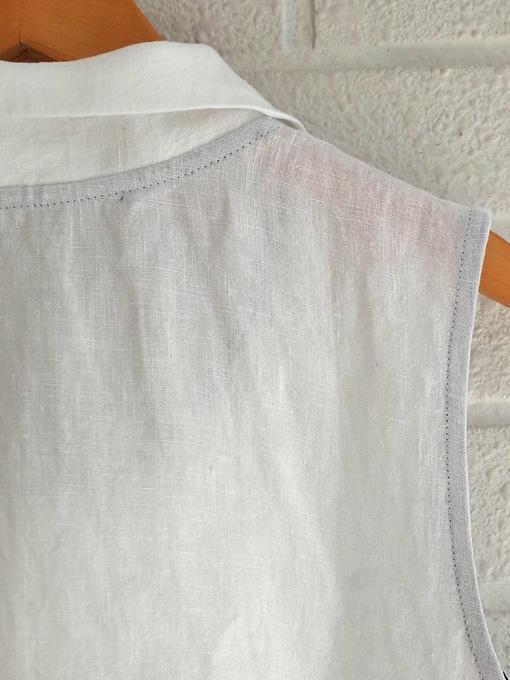 Le vestiaire de jeanne VDJ Sleeveless shirt white linen 丸襟リネンノースリーブブラウス