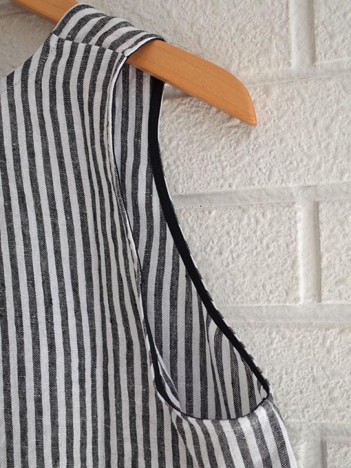 Le vestiaire de jeanne VDJ Sleeveless blouse round neck light stripes linen ストライプリネンノースリーブブラウス
