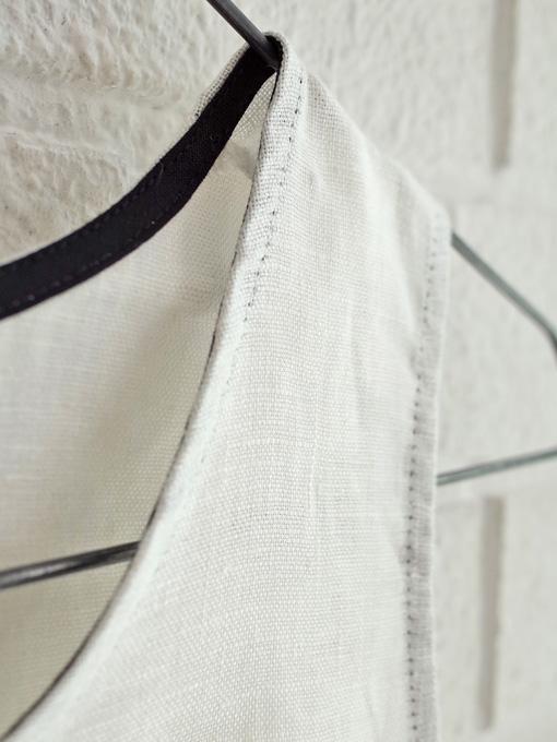 Le vestiaire de jeanne VDJ Flared dress, sleeveless, round neck, in linen  リネンノースリーブワンピース