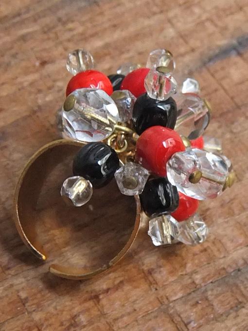 パリ蚤の市・クリニャンクール デッドストックアクセサリー 指輪 ビーズリング
